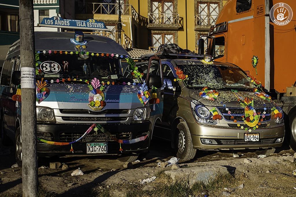 Vehículos celebrando la Virgen de la Candelaria