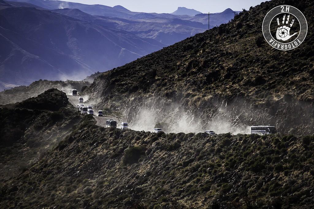 Caravana de turistas llegando al cañón