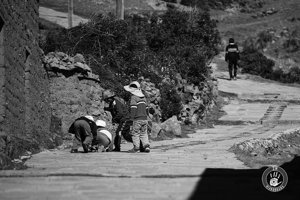Niños jugando en Amantaní