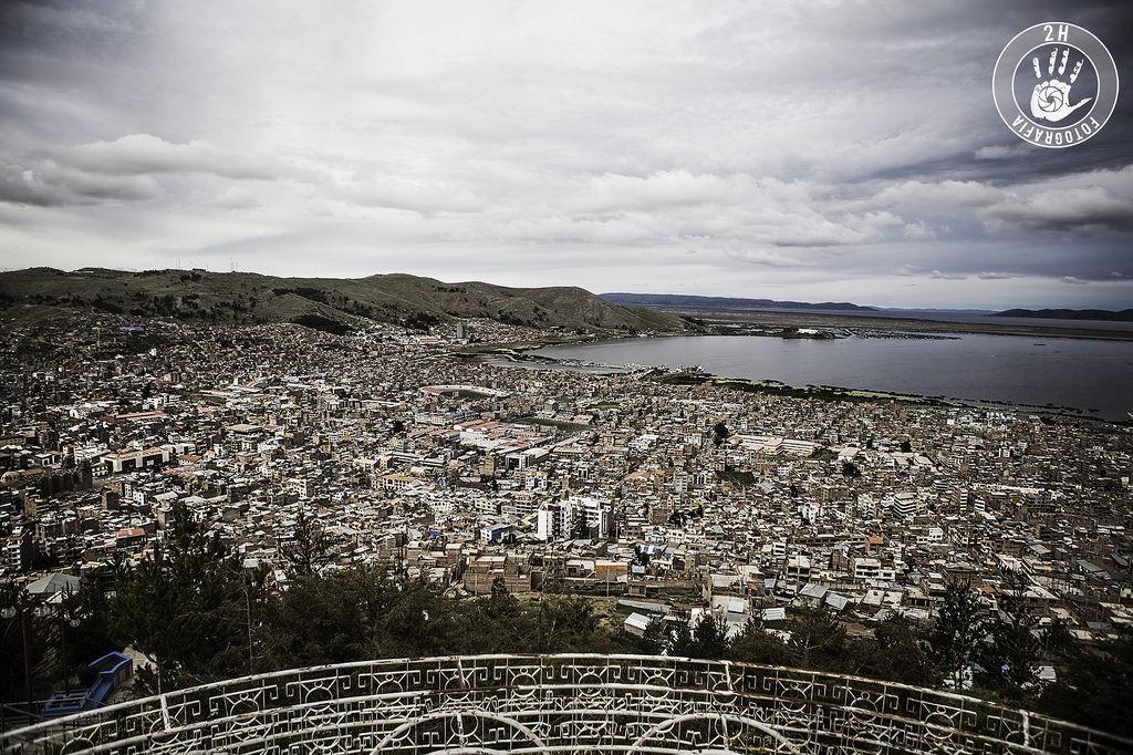 Vistas desde el Kuntur Wasi de Puno